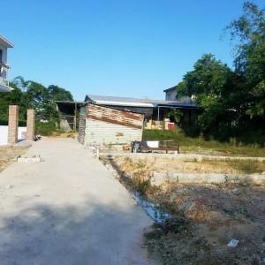 Bán đất giá rẻ cao ráo tại bàu Vá, Thủy Xuân, Huế DT 94m2