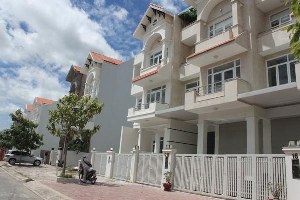 Cần cân nhắc gì khi mua nhà xây sẵn?